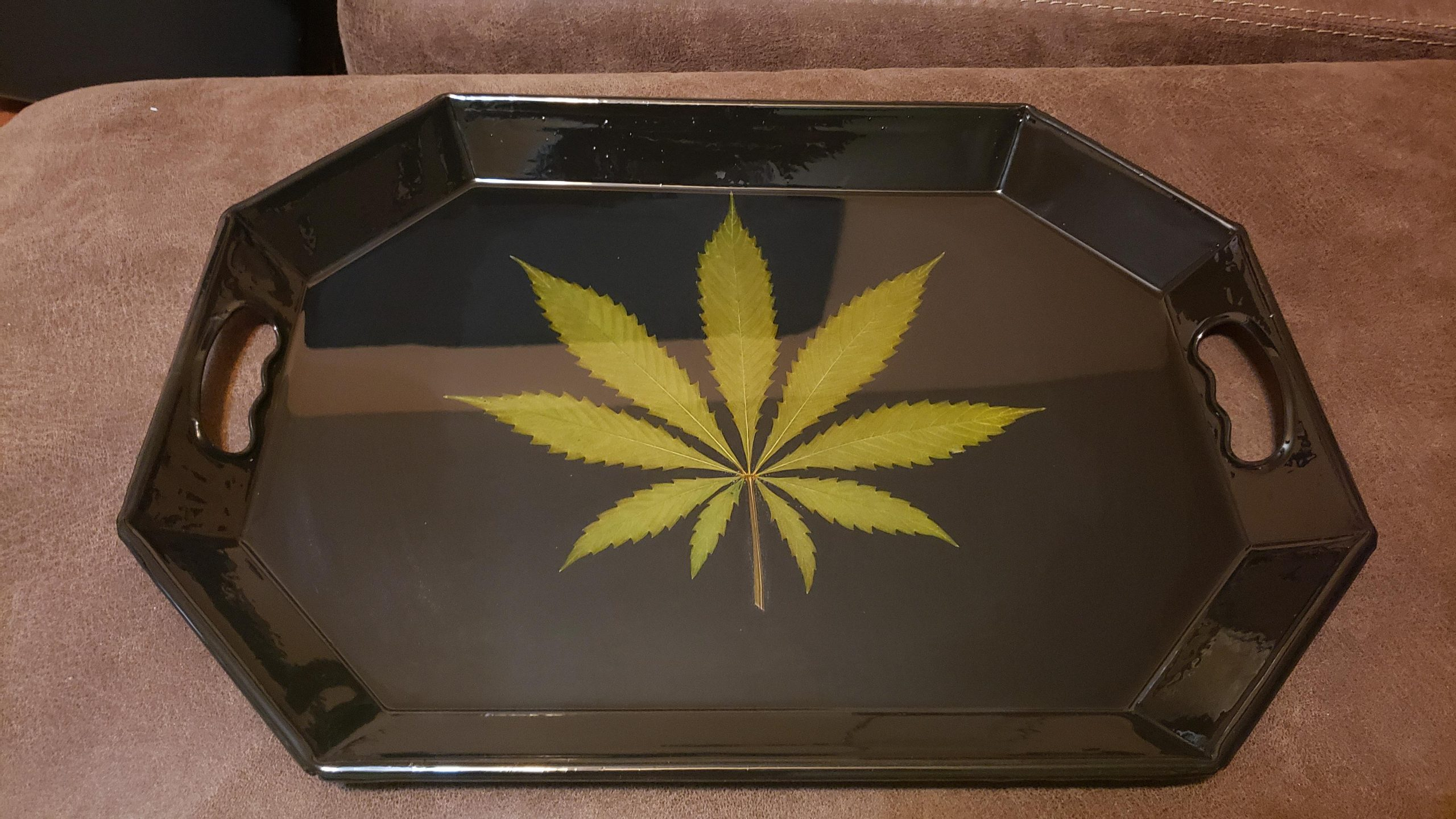 rolling-trays-in-market