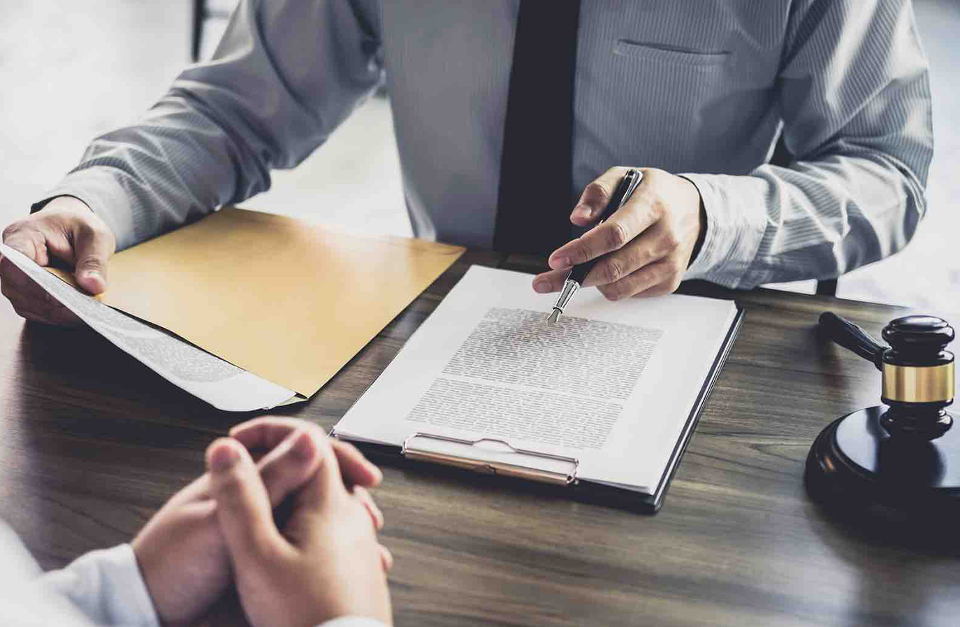 what is an associate in a law firm